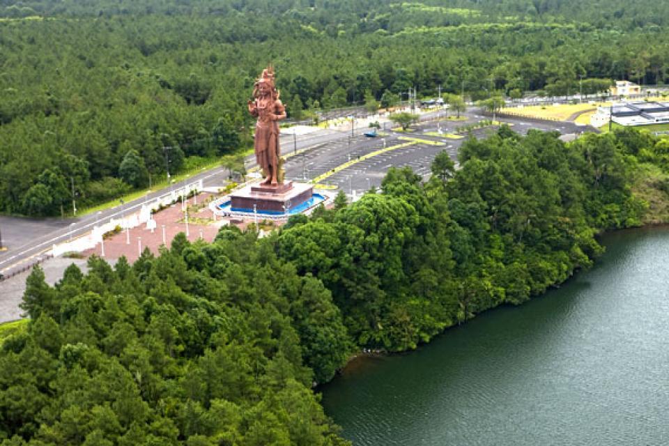 The Tamil temples , The statue of Shiva, Mauritius , Mauritius
