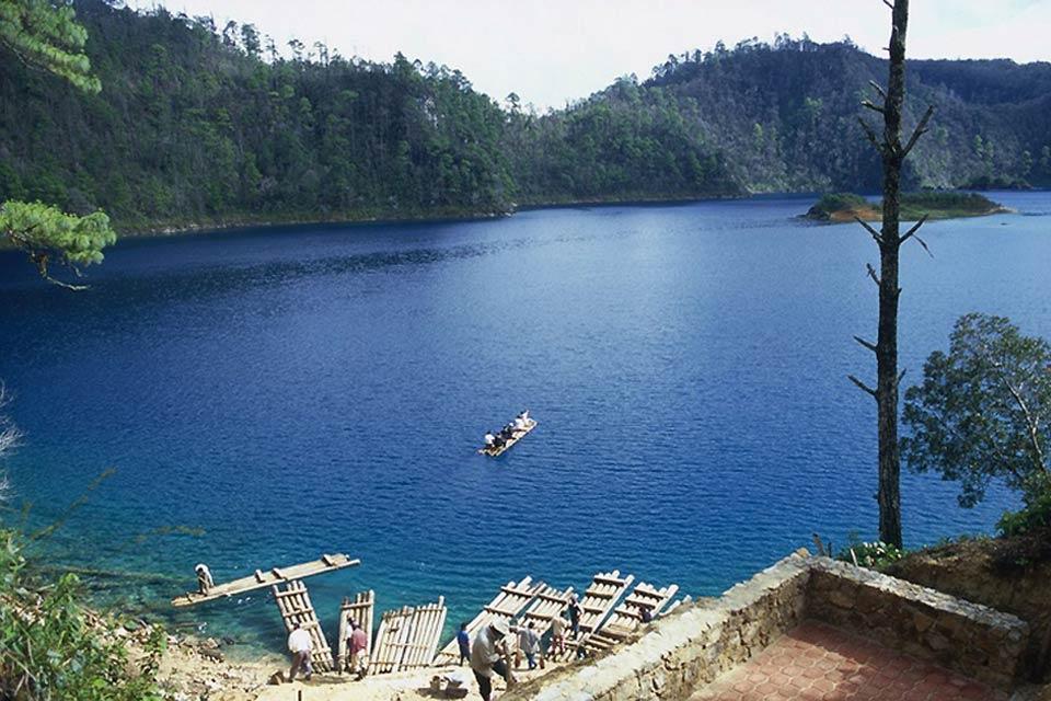 Montebello lagoon , Mexico