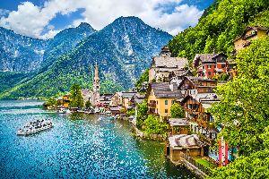 Il villaggio di Hallstatt , Austria