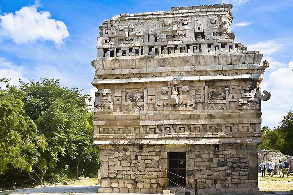 I siti archeologici di Chichen Itzá , La Iglesia , Messico