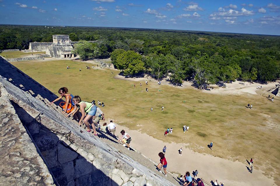 I siti archeologici di Chichen Itzá , Kukulkan, Messico , Messico