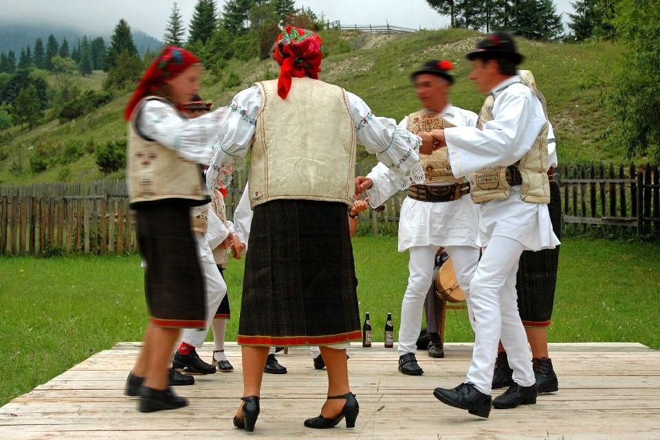 Die folkloristischen Tänze , Moldau