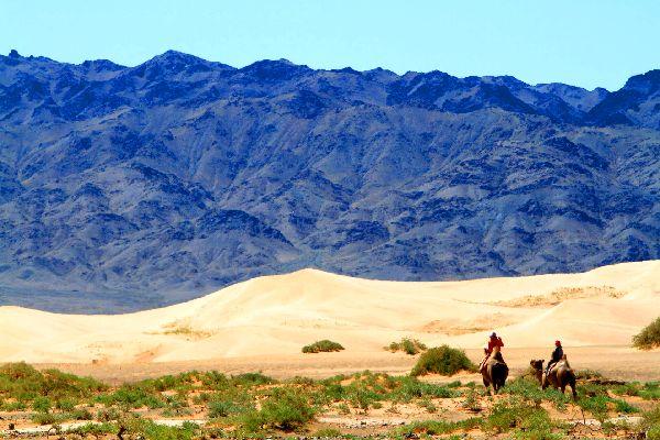 Le désert de Gobi , Chevauchée désertique , Mongolie