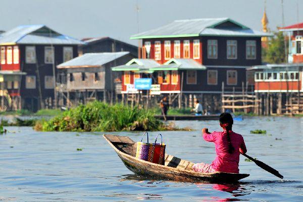 Lake Inle , Floating islands , Burma