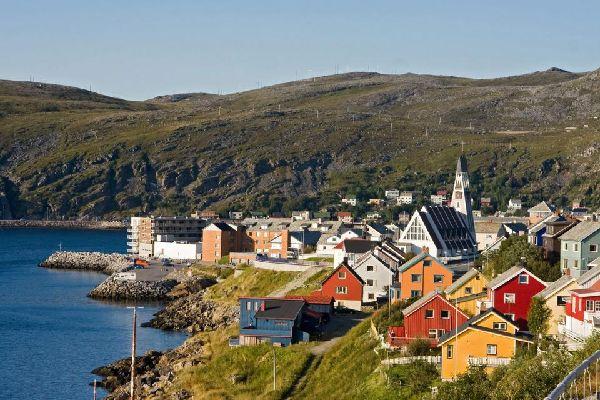 Il nord , Prati verdi nel nord della Norvegia , Norvegia