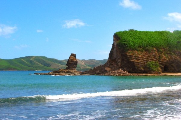 Les côtes, roche percée, bourail, nouvelle-calédonie, océanie, baie des tortues, sous le vent