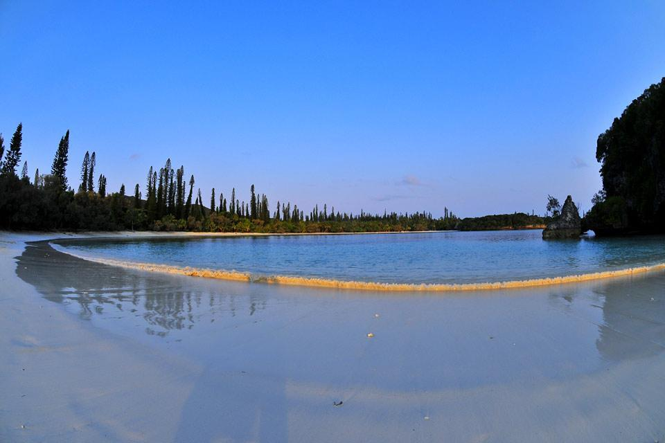 the isle of pines the lagoon new caledonia. Black Bedroom Furniture Sets. Home Design Ideas