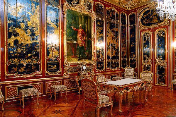 The yellow façade of the palace, The Schönbrunn Palace, Castles, Vienna, Austria