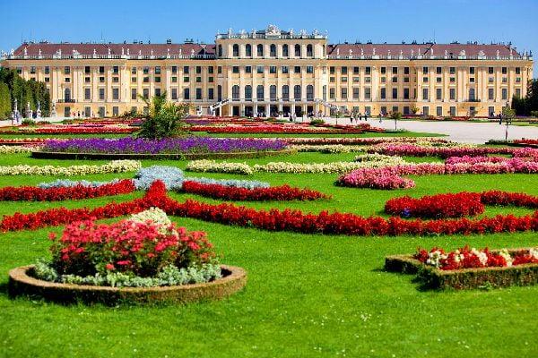 The Schönbrunn Palace , A baroque-style hunting lodge , Austria