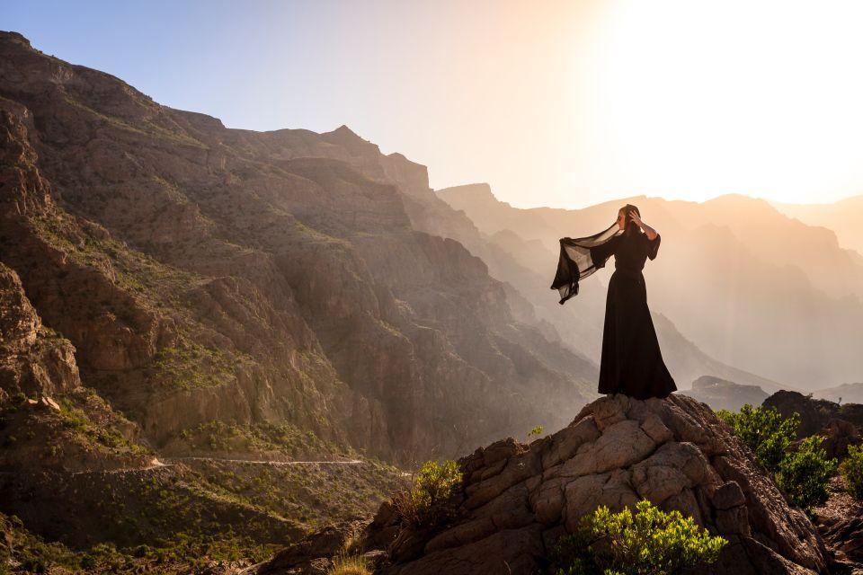 Les paysages, moyen-orient, Oman, batinah, Al Hajar, montagne, fort, nakhal, femme