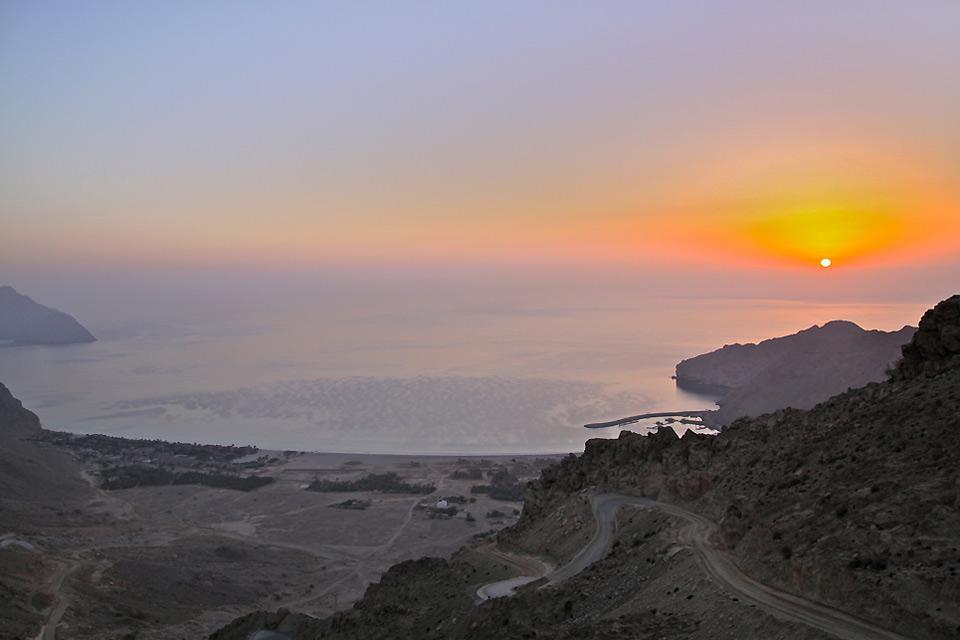La péninsule du Musandam , La péninsule du Musandam au lever du jour , Sultanat d'Oman