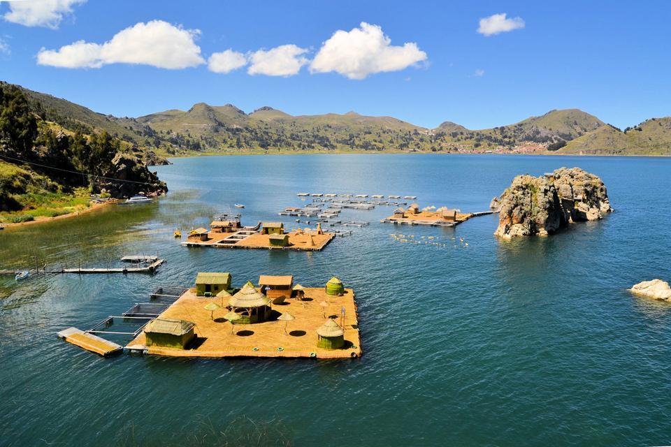 Le lac Titicaca , Isla Flottantes , Pérou
