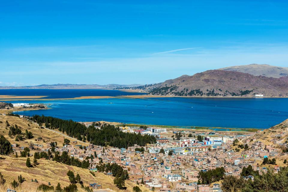 Le lac Titicaca , Plus tout à fait Uros , Pérou