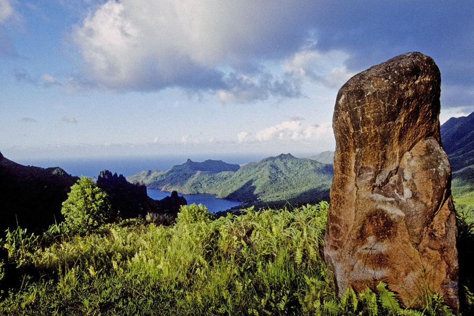 Los restos de Naku Hiva , Los vestigios en Naku Hiva , Polinesia