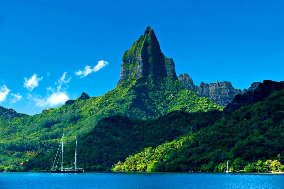 Moorea , Lo sperone roccioso del monte Rotui , Polinesia francese