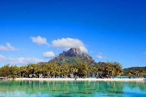 Bora Bora , Les monts Otemanu et Pahia , Polynésie