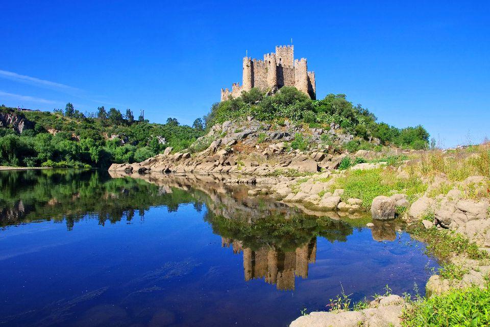 L'architettura , Il castello di Almourol in Portogallo , Portogallo