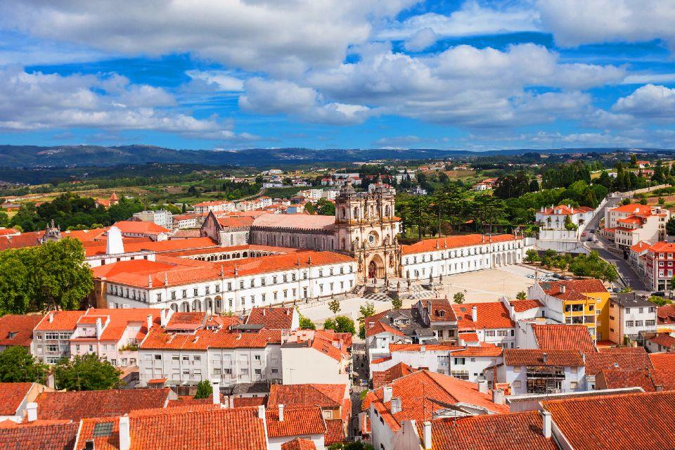 L'architettura , La chiesa e il monastero di Santa Maria , Portogallo