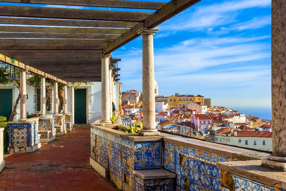 Gli azulejos , Vista ombreggiata della città. , Portogallo