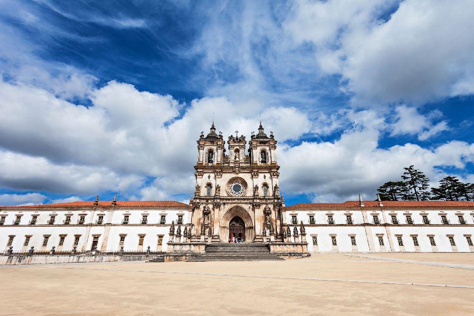 Monastère de Santa Maria à Alcobaça , Clochers, Alcobaça, Portugal , Portugal