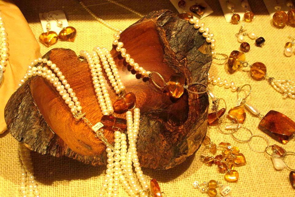 D'importantes réserves d'ambre , Bijoux à base d'ambre , République dominicaine