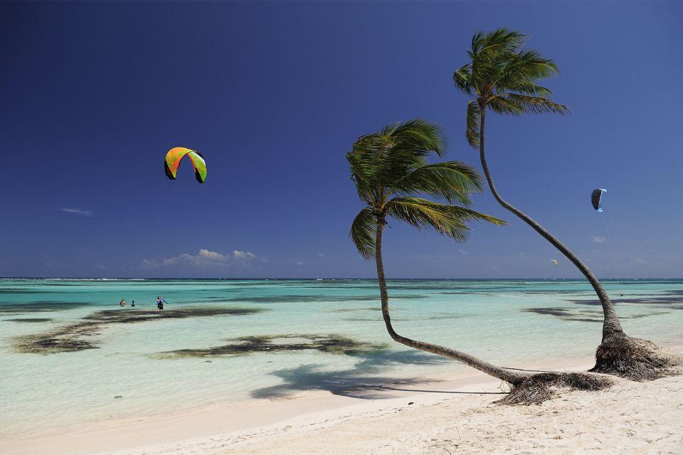 Les îles et les plages, amerique, caraïbes, caraibes, republique dominicaine, punta cana, bavaro, plage, antilles, vacances, parachute ascentionnel.