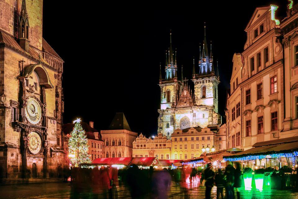 Les arts et la culture, Noël, Tchéquie, République tchèque, Prague, Bohème, tradition, église, notre-dame du tyn, tyn, arbre, horloge astronomique, Staromestska, vieille ville