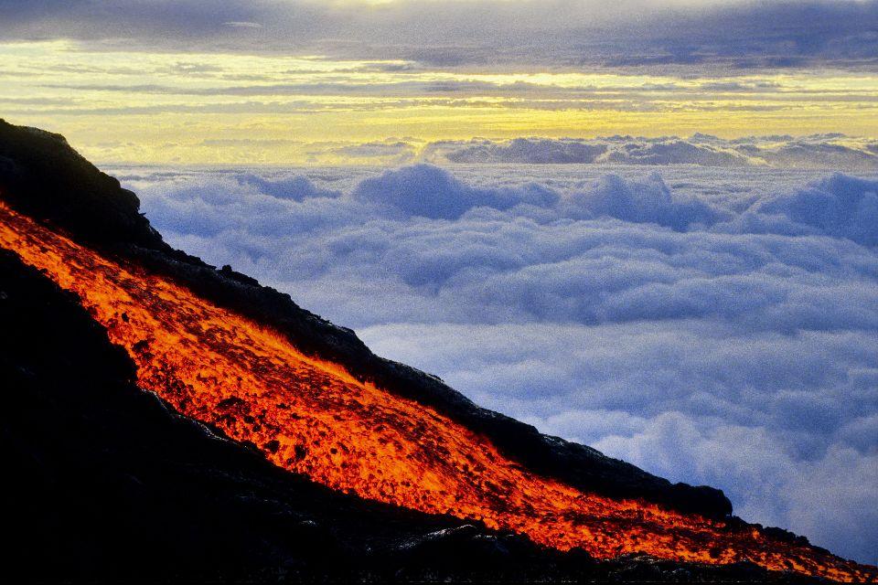Der Vulkan Piton de la Fournaise , Lavastrom , Réunion