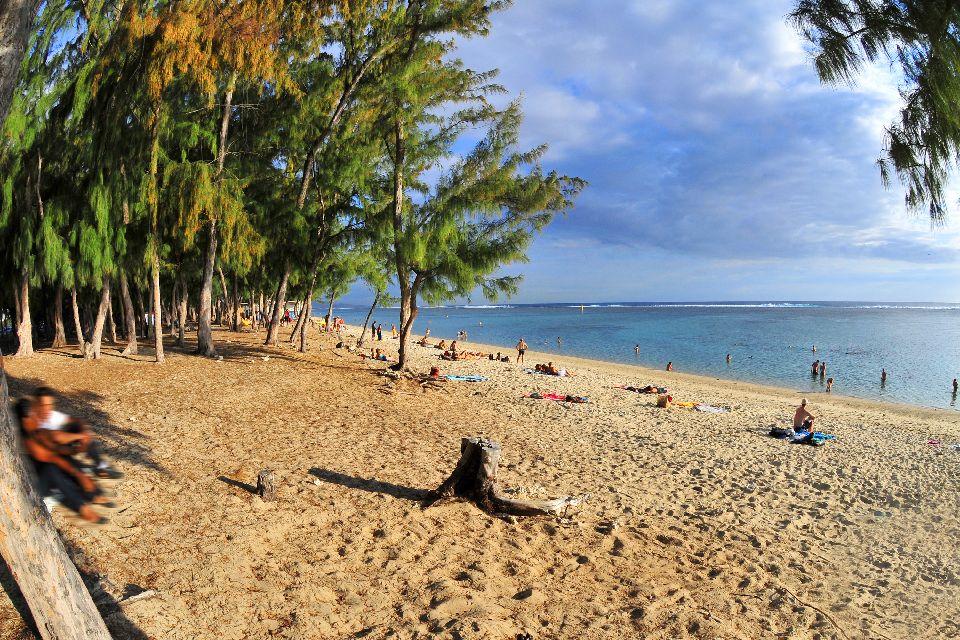 Resultado de imagen para Playa Saint-Gilles, Isla Reunión