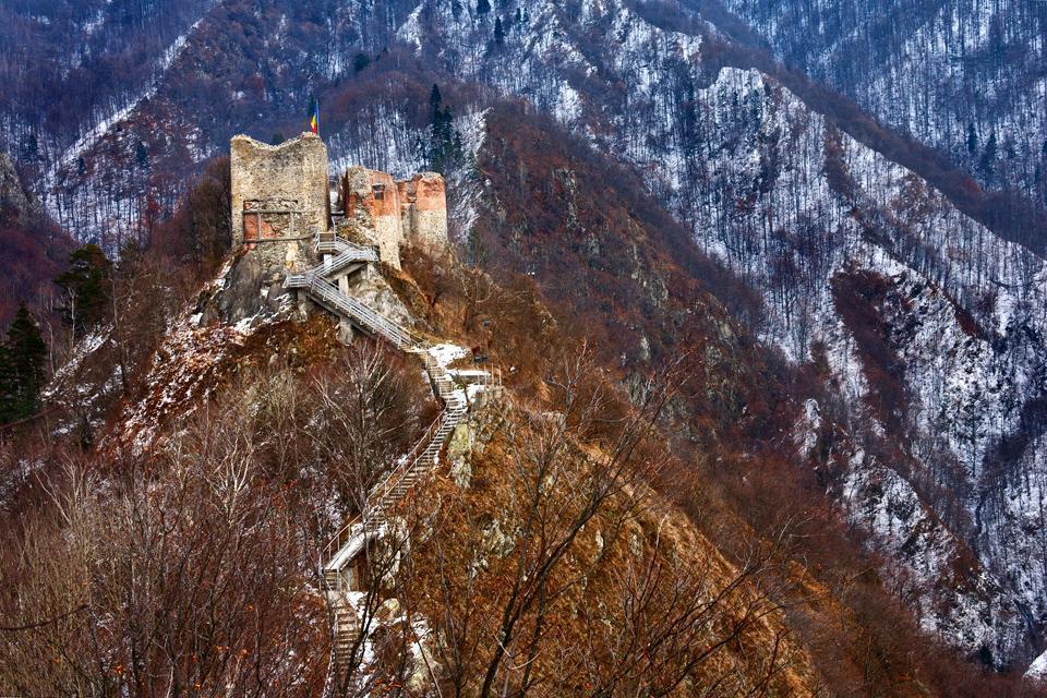 I castelli di Dracula , Poenari: la residenza vera e propria di Vlad  , Romania