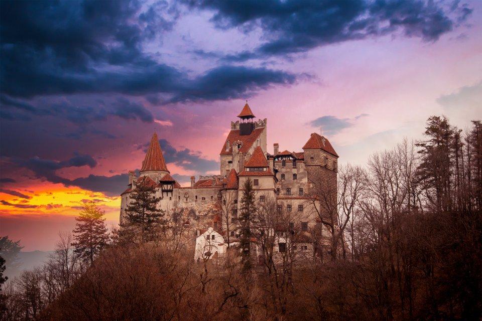 Le château de Bran : résidence légendaire, Le château de Dracula, Les monuments, Brasov, Roumanie