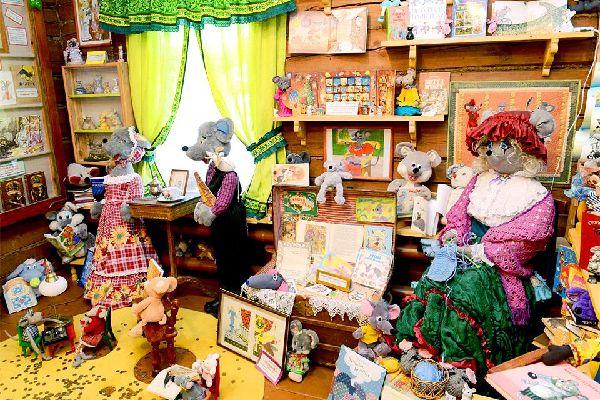 Las marionetas y el circo , Rusia