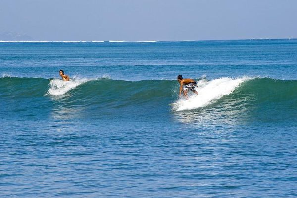 Kuta et la côte Ouest , Le surf à Kuta , Indonésie