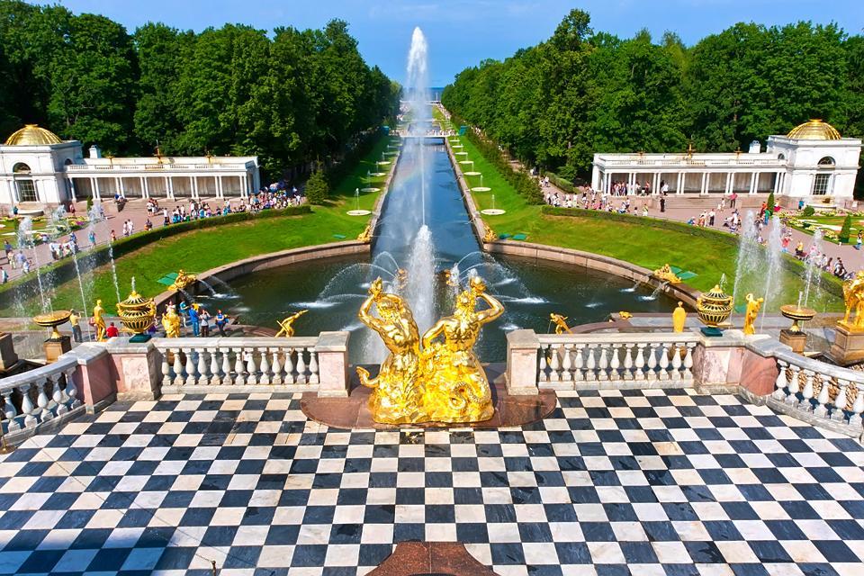 Le palais de Petrodvorets , Un air de Versailles , Russie