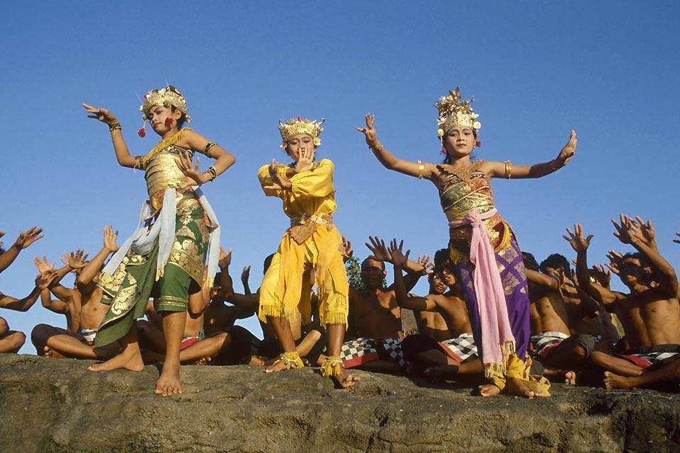 Gli spettacoli , Danze e cerimonie , Indonesia