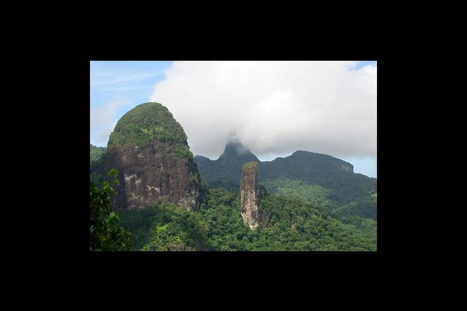 Mountains , Contours , São Tomé and Príncipe