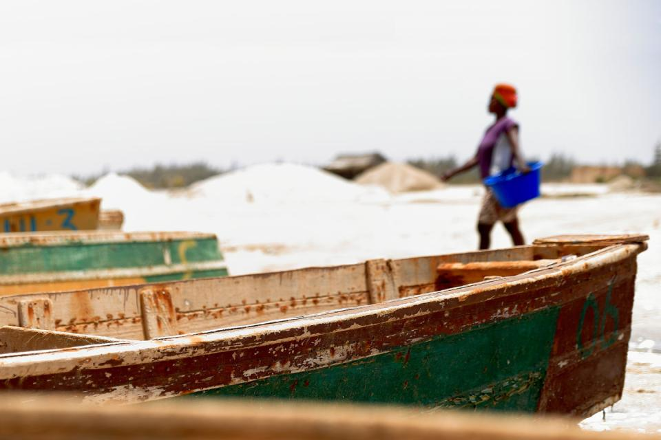 Le lac Rose , Piles of salt , Senegal