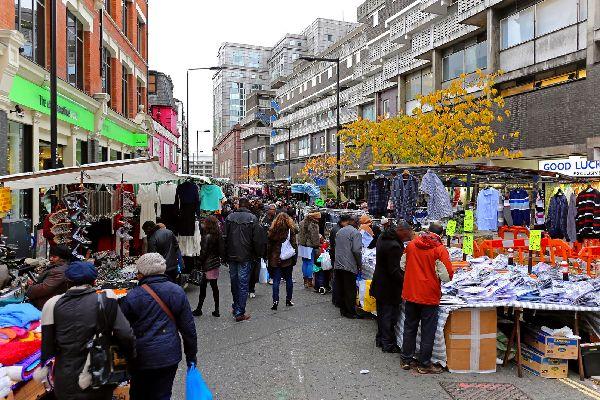 Les marchés de plein air , Stand de livres sur la rive sud, Londres , Royaume-Uni