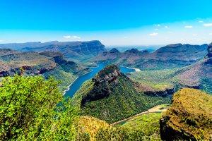 La chaîne montagneuse du Drakensberg , Afrique du Sud