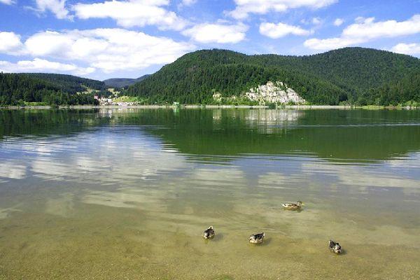 Slovakia's Paradise national park , A lake in Slovak Paradise , Slovakia