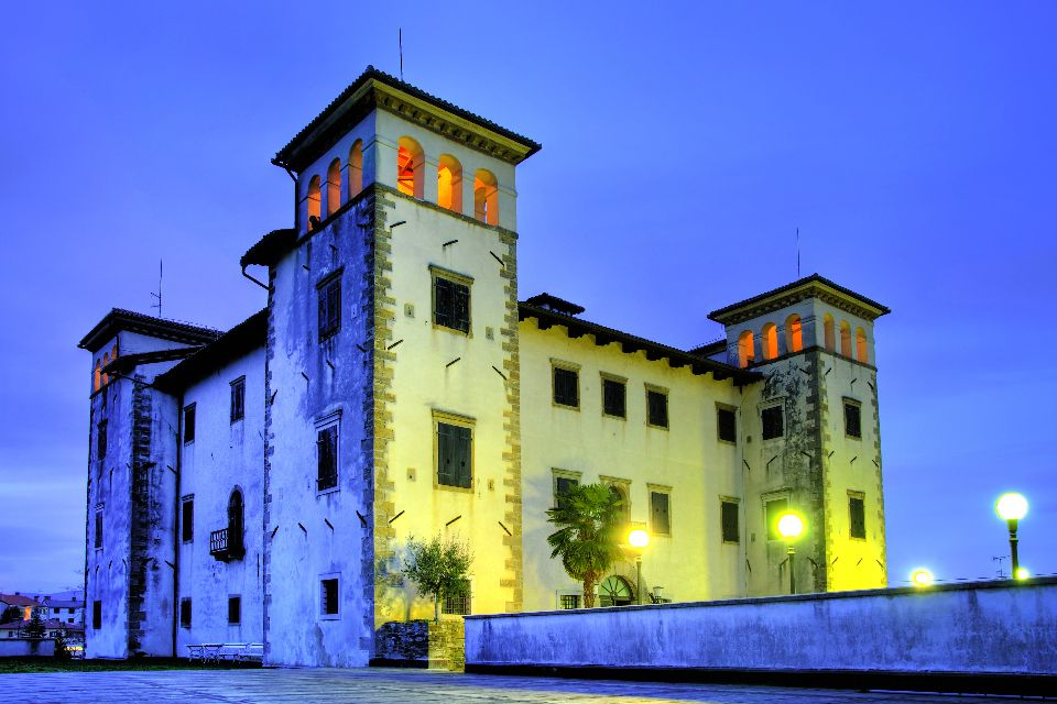 The Dobrovo manor , Slovenia