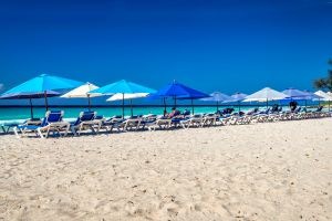 Una playa de la costa sur, La costa sur, Las costas, Barbados