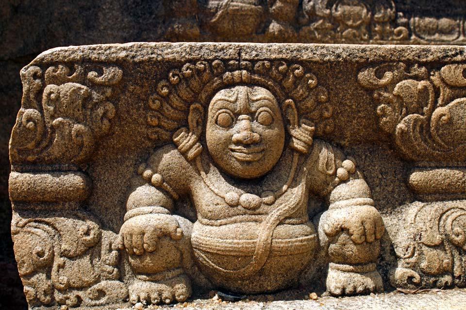 Sculpture sri lanka