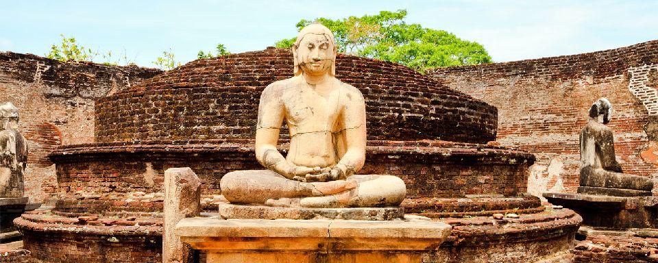 le site de polonnaruwa sri lanka. Black Bedroom Furniture Sets. Home Design Ideas