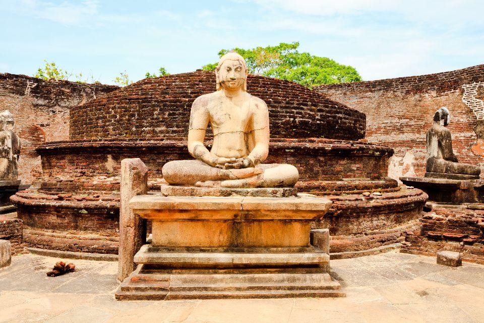 Le site de Polonnaruwa , La méditation , Sri Lanka