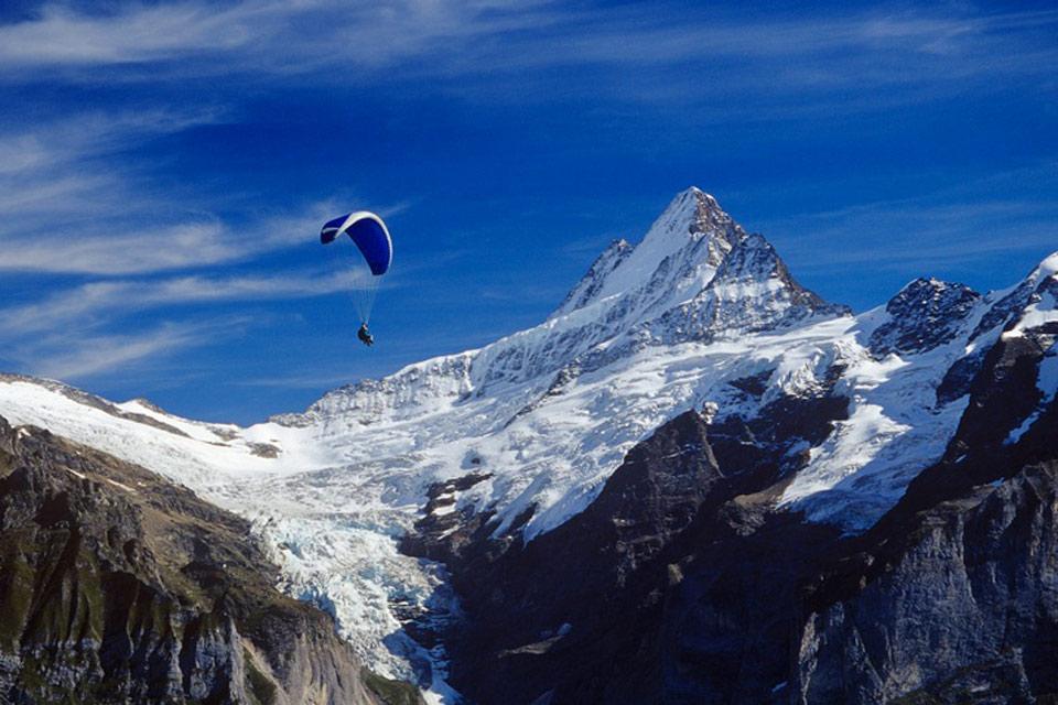 L'Oberland bernese e lo Schweizer Mittelland , Vista spettacolare dell'Oberland bernese , Svizzera