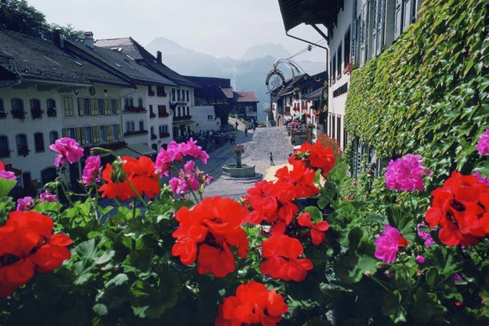 Le canton de Fribourg , Le cœur de ville médiéval , Suisse