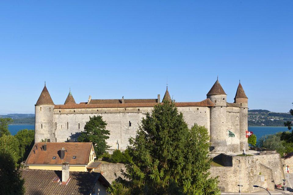 Le canton de Neuchâtel et l'Arc jurassien , Le château médiéval de Grandson , Suisse