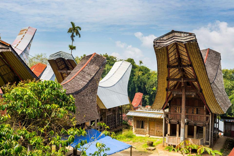 L 39 architecture traditionnelle sulawesi indon sie for Architecture traditionnelle