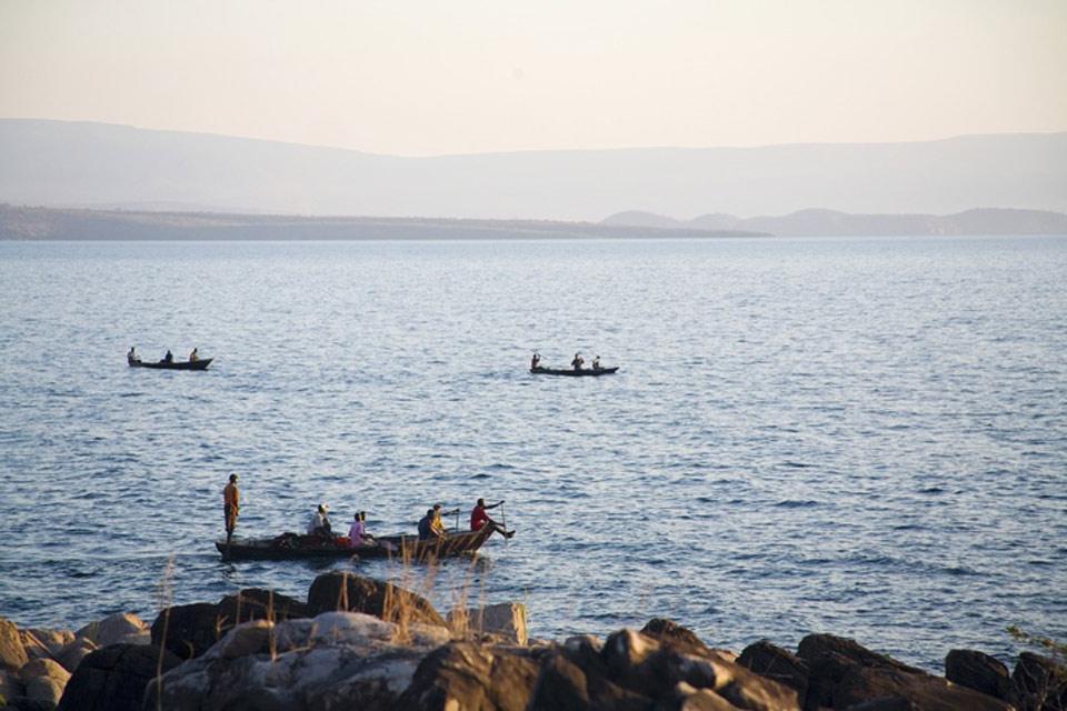 Les paysages du Sud , Pêcheurs sur la lac Tanganyika , Tanzanie